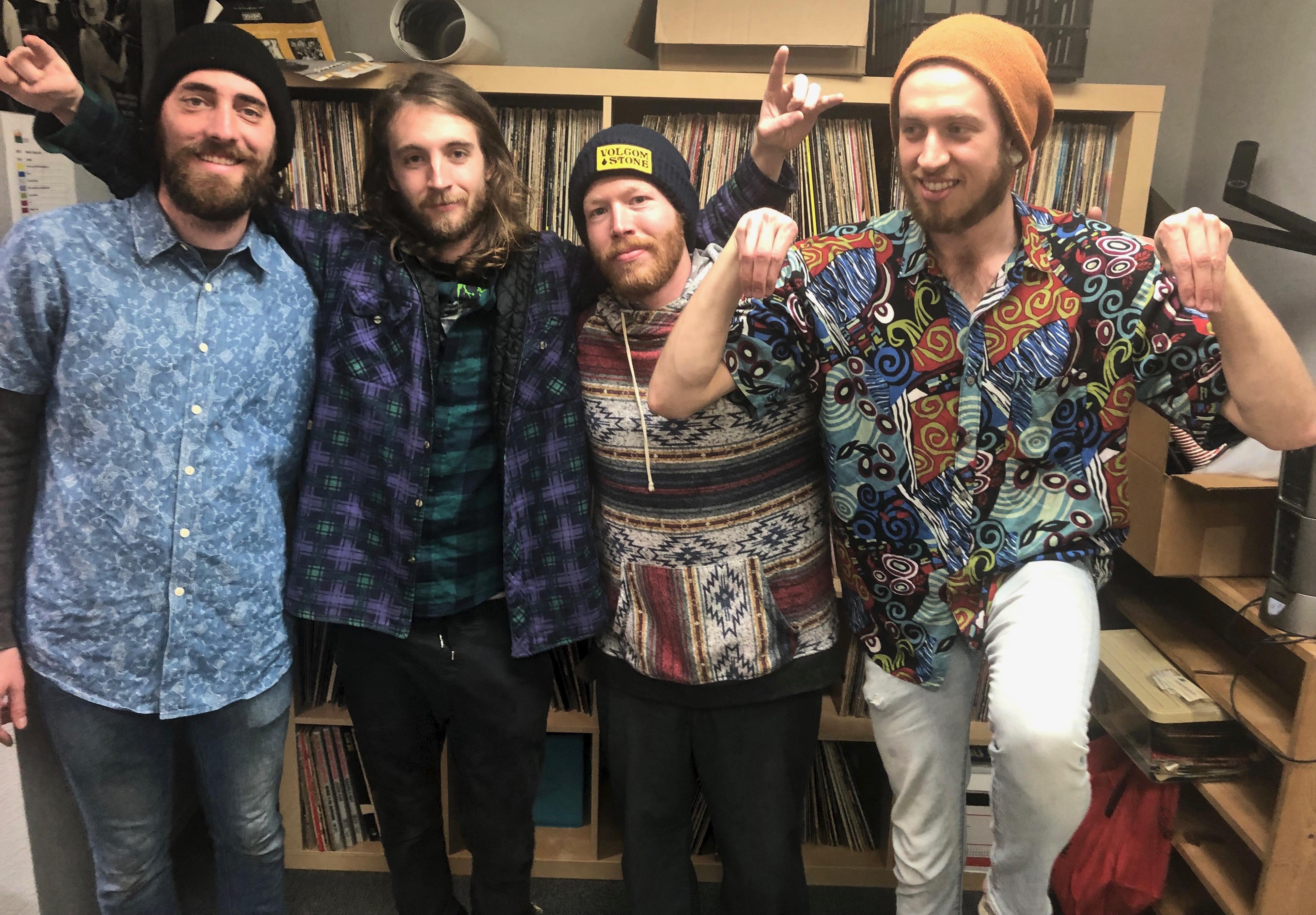 brotherly Mud, KDRT, pieter pastoor, Listening Lyrics