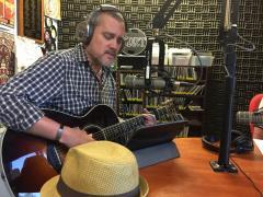 Banjo Bones, KDRT, pieter pastoor, Listening Lyrics
