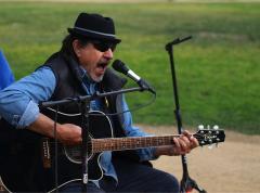 Gabe Reynolds, Listening Lyrics, KDRT, Pieter Pastoor, john Prine, folk music, singer songwriter,
